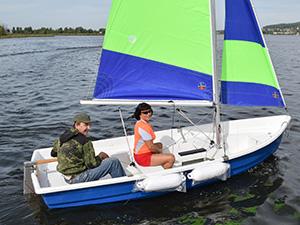 Парусная лодка Комби-395