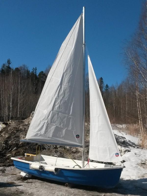 аренда лодки с парусом